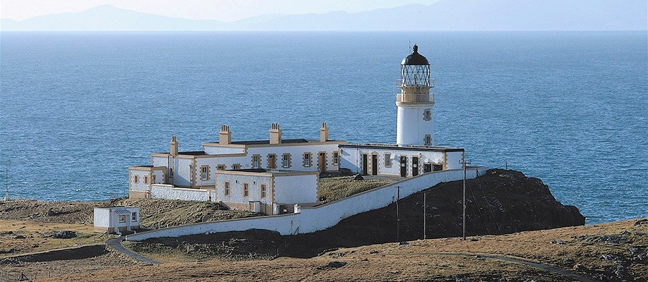 Neist-point-lighthouse-skye