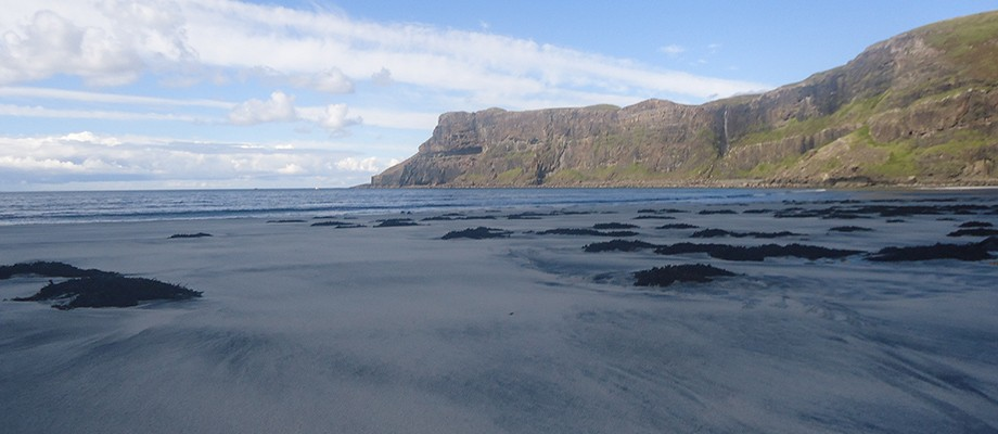 wind-swept-sand-talisker-beach